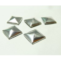lot de 10 clous thermocollant de 6 mm forme pyramide argent